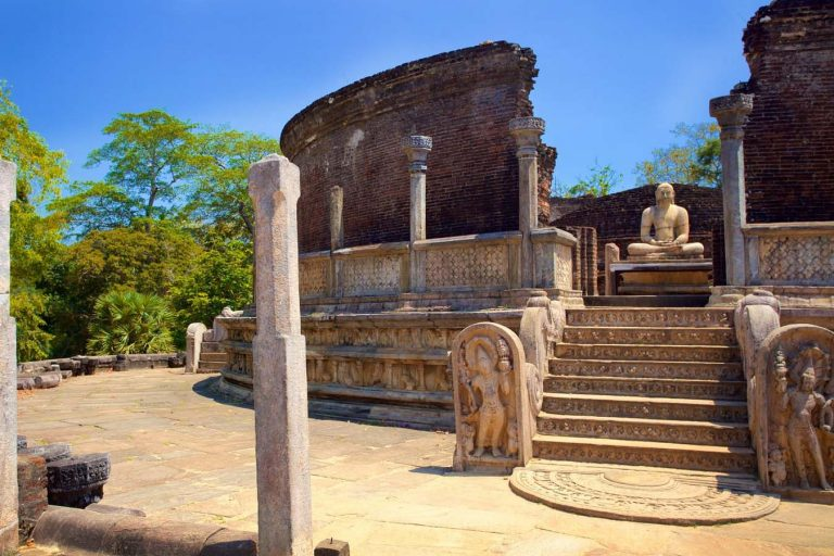 Day Tour in Polonnaruwa
